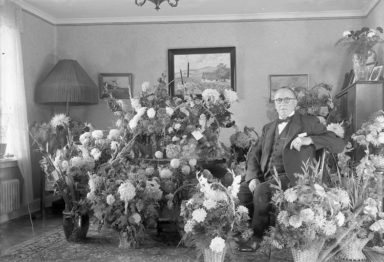"""Enligt fotografens journal nr 7 1944-1950: """"Rehnberg, Herr Joakim Här""""."""