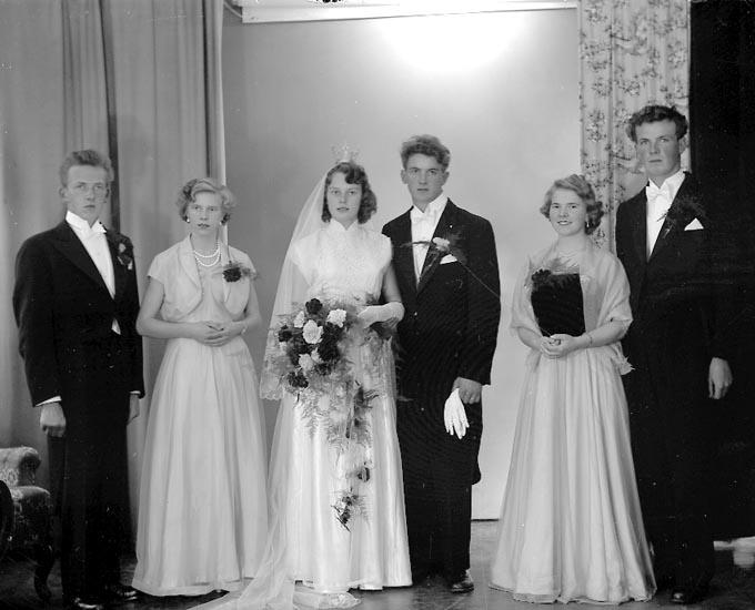 """Enligt fotografens journal nr 8 1951-1957: """"Karlsson, Herr Egon, Bergstigen 4 Gbg""""."""