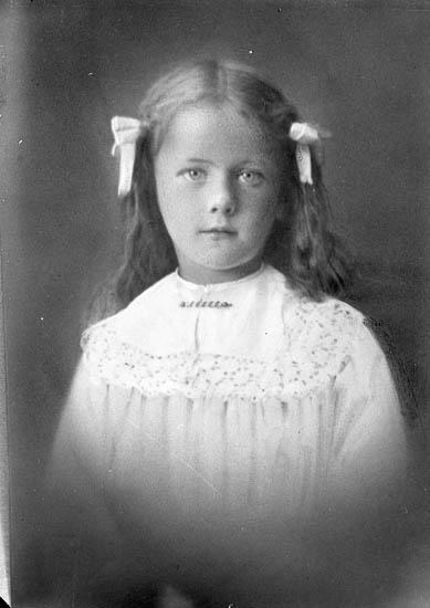 """Enligt fotografens journal nr 6 1930-1943: """"Eliasson, Gategård Här""""."""