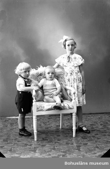 "Enligt fotografens journal nr 6 1930-1943: ""Alfredsson, Fru Signe Här""."