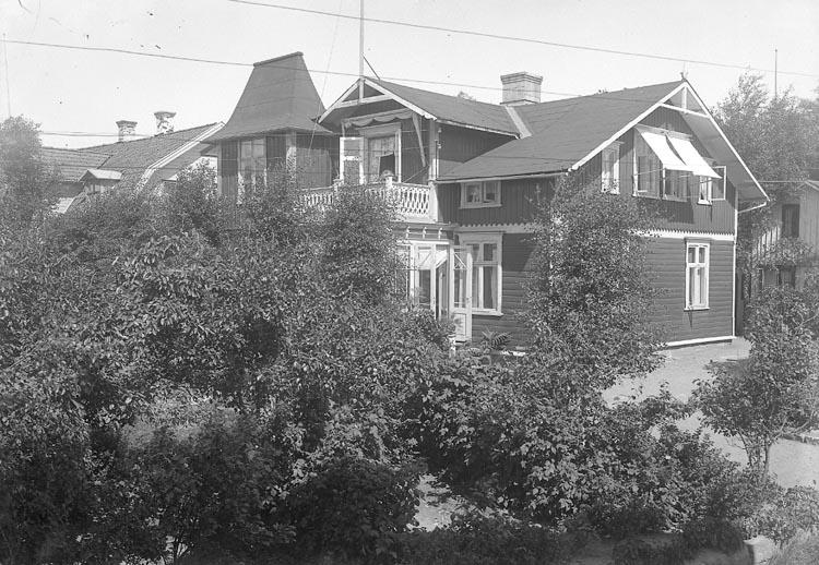 """Enligt fotografens journal nr 5 1923-1929: """"Andersson, Fr. Pensionat """"Nilsro"""" Här""""."""