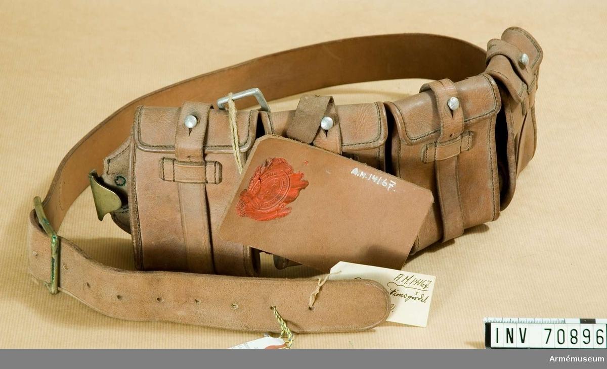 Grupp C:II.  Med fyra fickor för ammunition. Från Ing 2. Modellappen i läder saknar text.