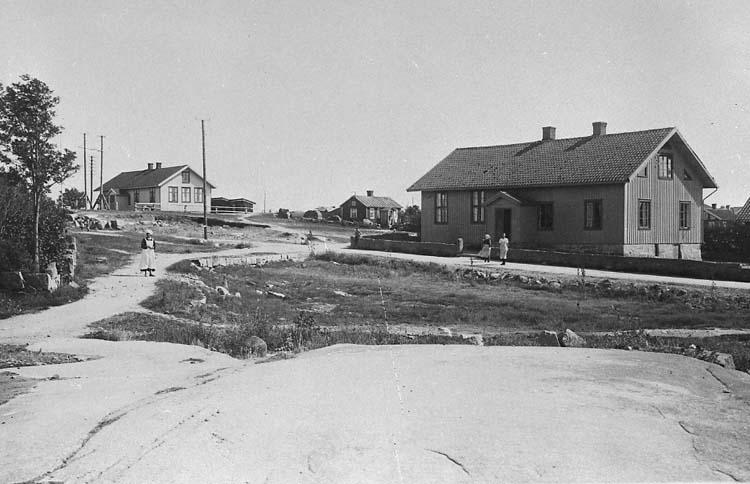"""""""Brunebacke skolhus ca 1920. 77."""""""