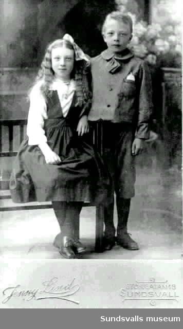 Matilda och Birger Andersson. Ateljébild.