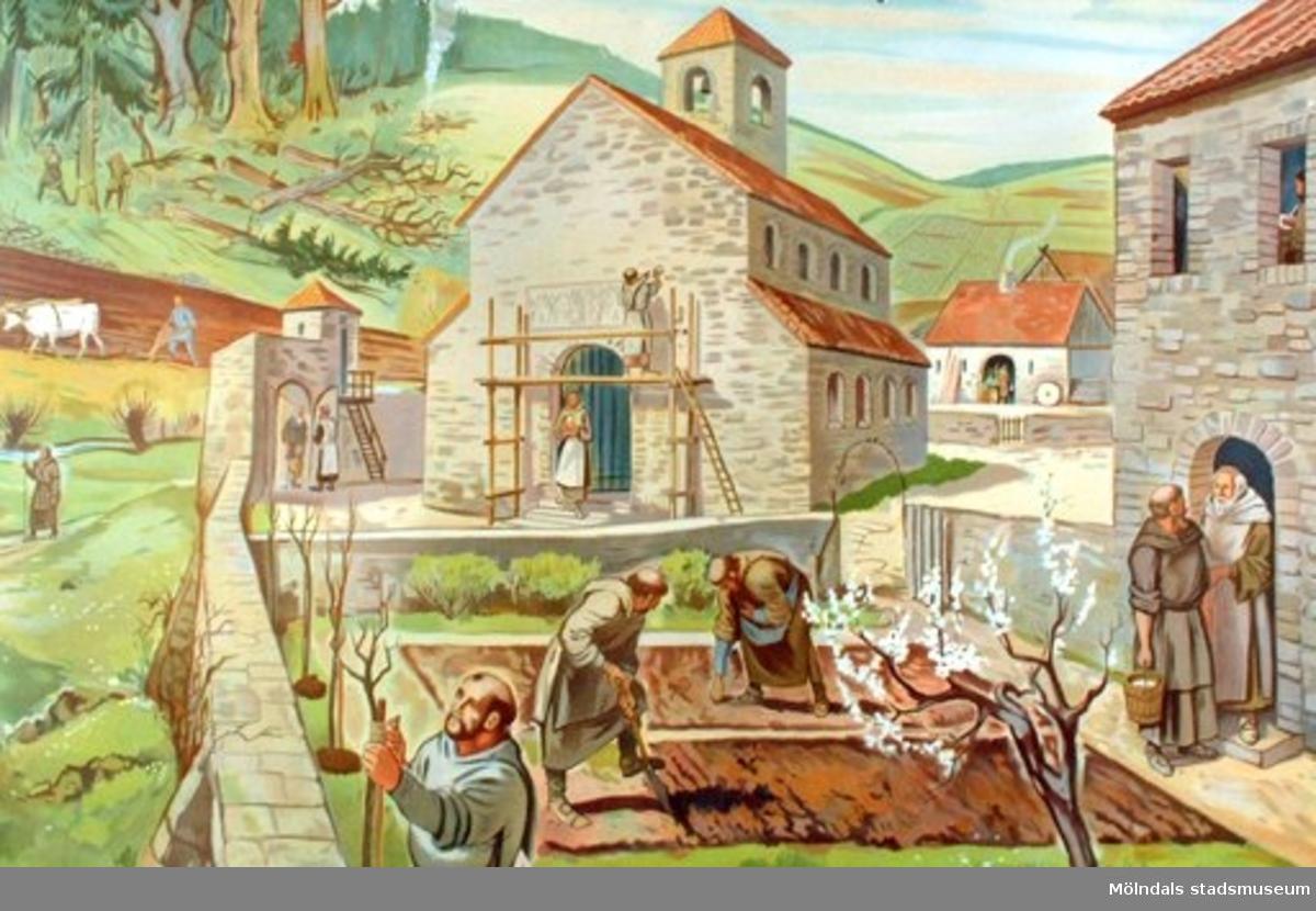 Historia: Munkar som arbetar i en trädgård utanför ett kloster som finns till höger. I bakgrunden syns en kvinna som går ut från en kyrkobyggnad.