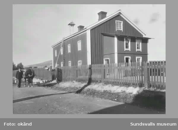 En serie bilder frn den stora husflytten p Sknsmon 1949 d
