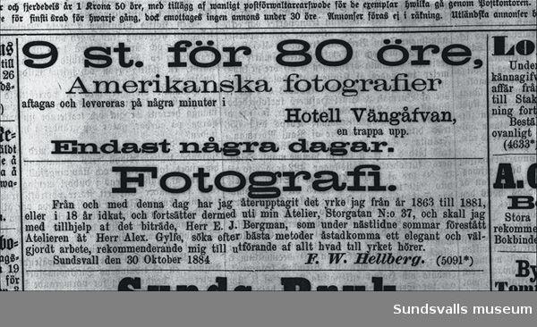 Annons för F W Hellbergs fotoateljé. Annons för amerikansk fotografering.
