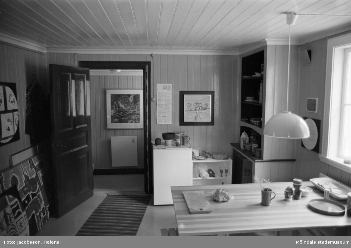 Bostadshus på Roten M 22 i Mölndals Kvarnby som användts som ateljé, 1972.