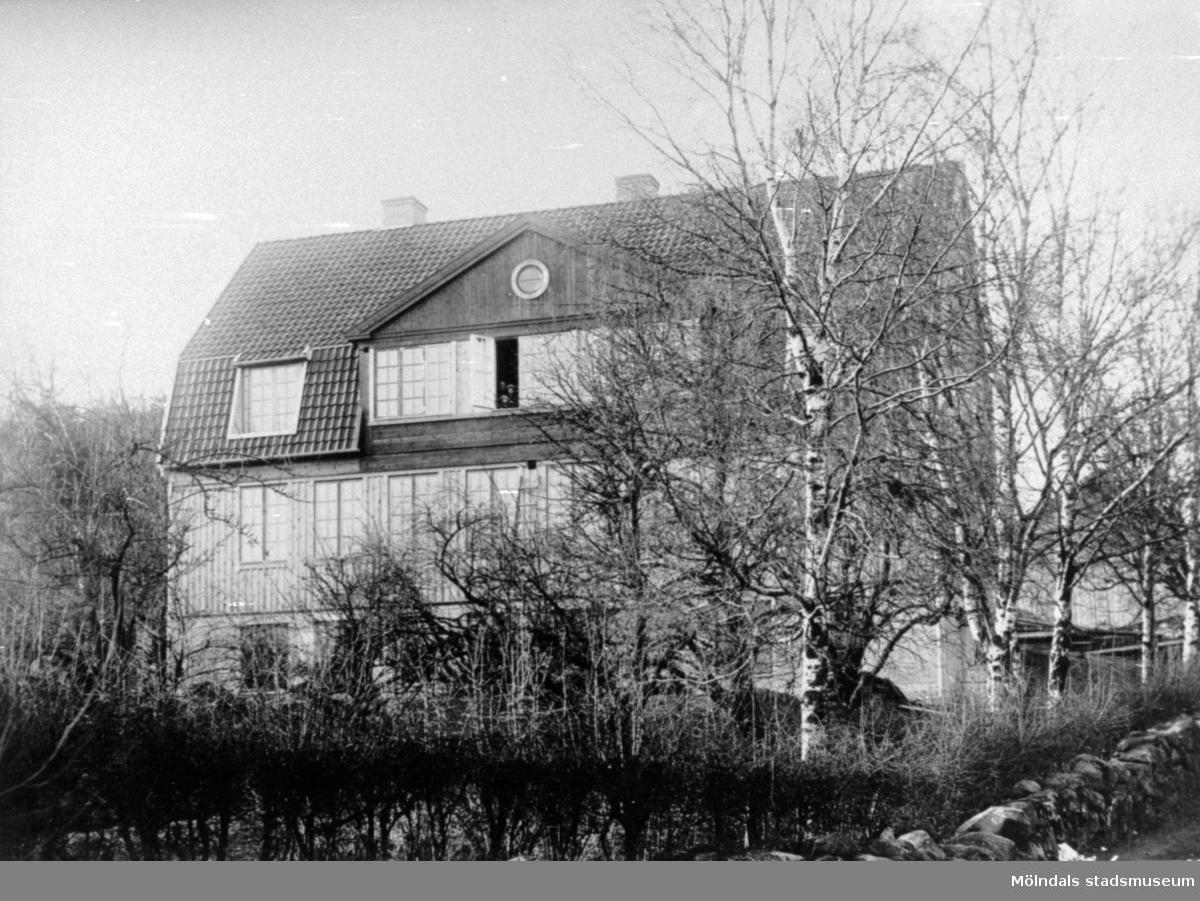 Holtermanska, okänt årtal. Större trähus med två våningar och brutet tak. Nu daghem och förskola.
