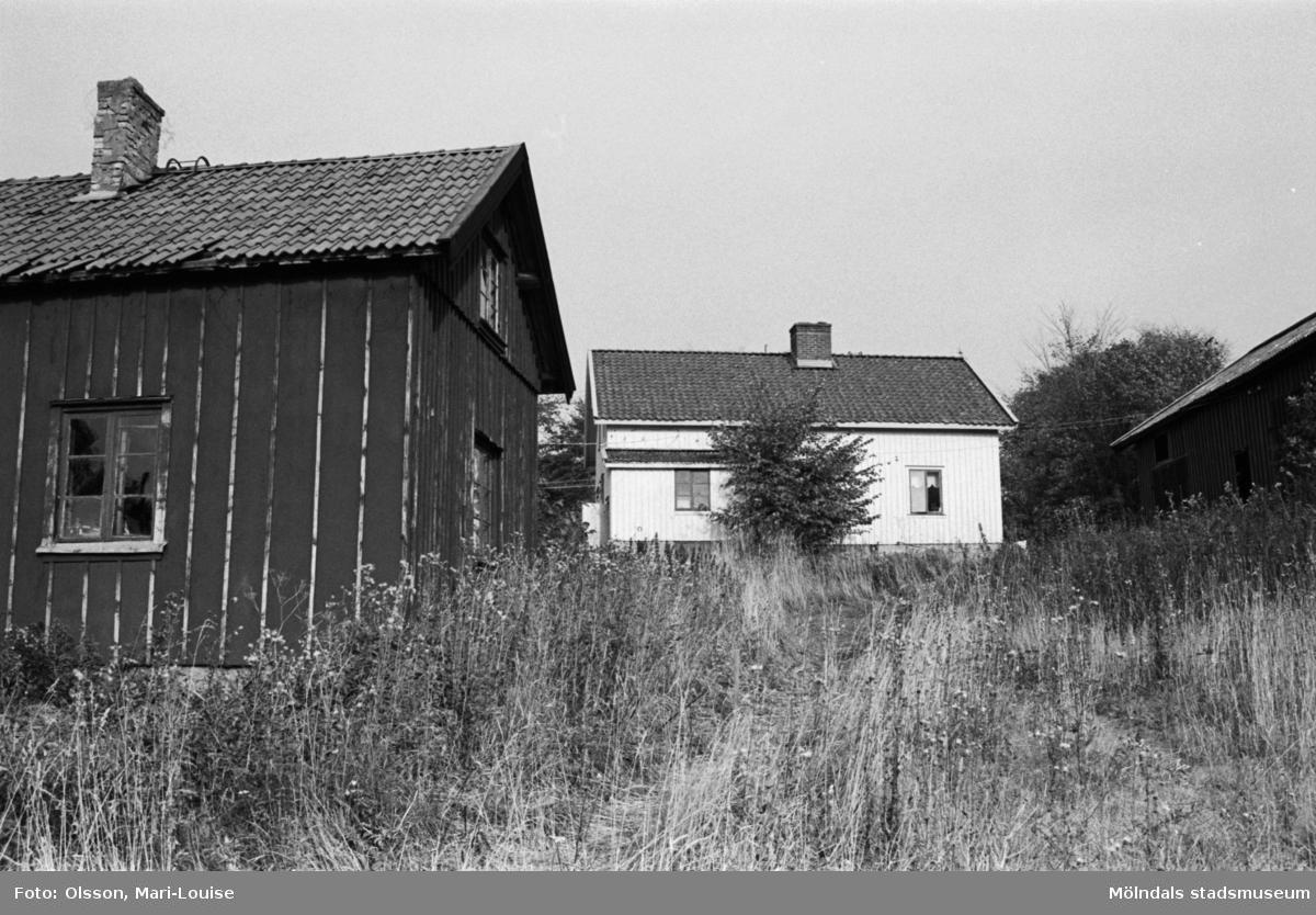 """Gustav Johanssons snickeriverkstad och bostad """"TomteGustavs"""" i Sagered, Lindome, 1987."""