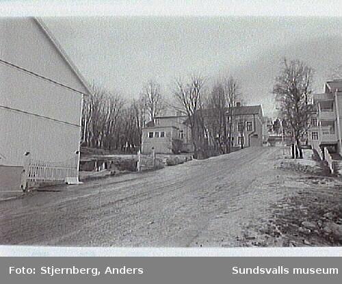 02 Från N mot kv Lönnen 10 samt delar av kv Pilen 5 (till höger).