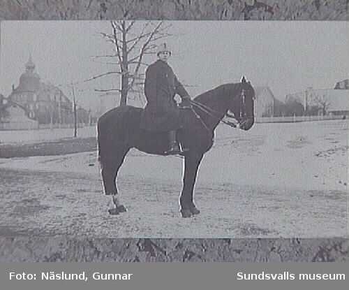 """148 Zander som kavallerist  1918-1919""vykortsformat."