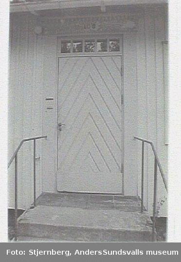 Ekorrstigen. Ursprungligen personalbostäder kopplat till Sidsjöns sjukhus.