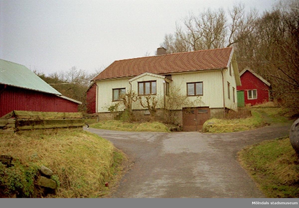 Byggnadsdokumentation år 2002 av Fässberg Östergård, Fässberg 1:37.