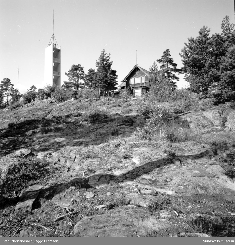 Utsiktstornet på Norra berget, fotograferat för Beckers färg.