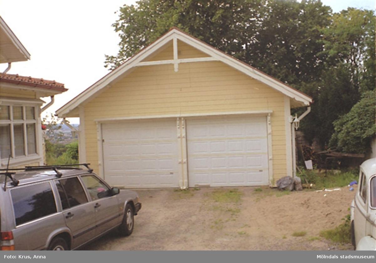 Garage från öster. Skatan 1.