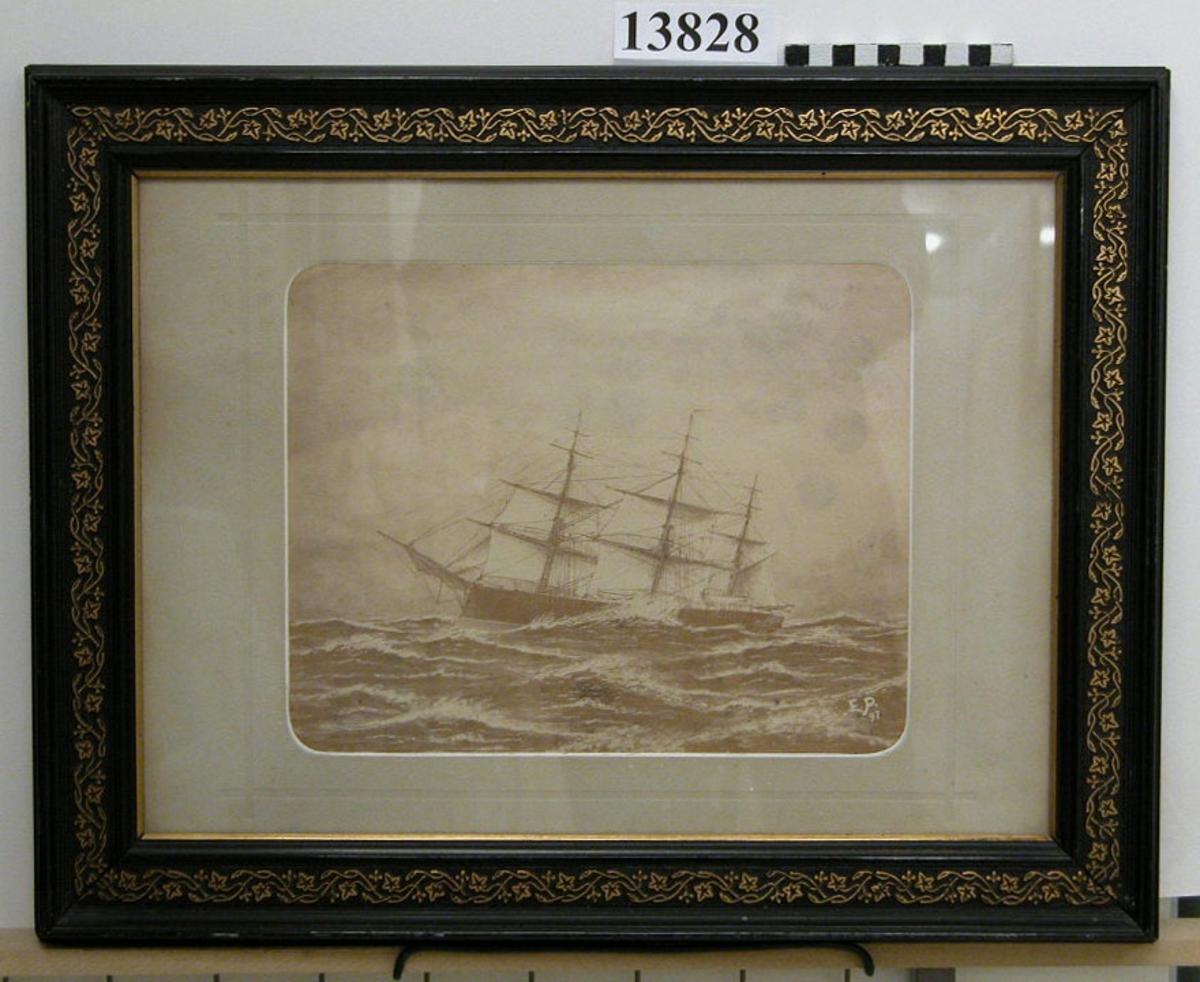 Fotografi på passe-partout inom glas och ram. Motiv: Korvetten Saga. Efter teckning, signerad J.P. 97.