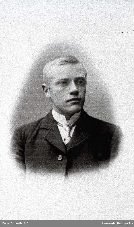 Asle A. Thorset, fødd i 1887. Emigrerte til Canada.
