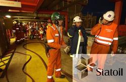 Beredskapsøvelse på Statfjord C.  Førstehjelpere, brannmenn