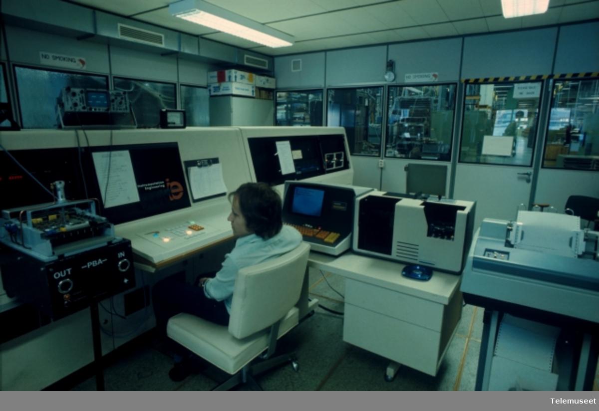 Bedrifter STK Standard Telefon og Kabelfabrik - Avbildet: STK