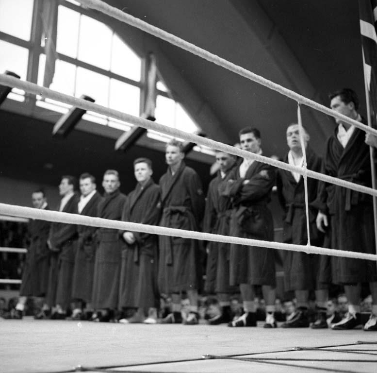 """Enligt notering: """"Boxning landskamp 24/1 1960""""."""