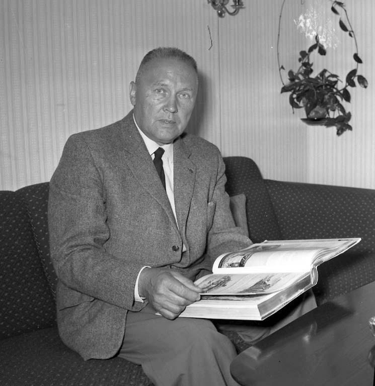 "Enligt notering: ""Kriminal Pettersson Aug -60""."