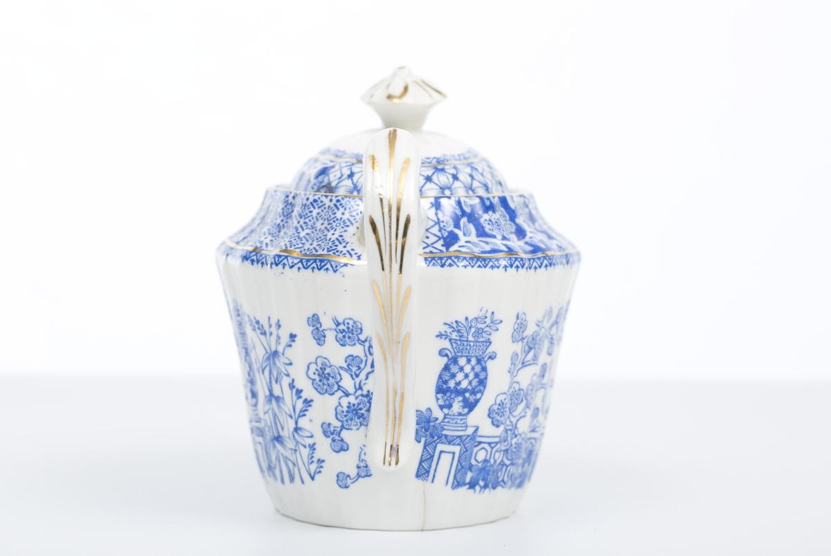 """Vase m/blomster på mur (""""Kinesisk"""")"""