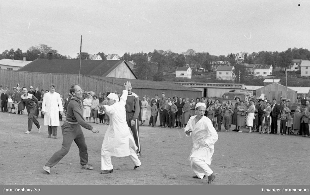 Barnas dag, Levanger, sykehuset og læreskolen spiller foballkamp.