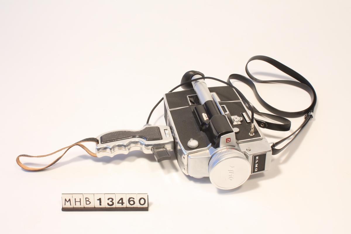 Lite brukt japanskprodusert smalfilmkamera for Super8 og Single8 film. Zoomobjektiv 9 - 36 mm, lystyrke 1:1,8. Innebygget lysmåler. Original linsebeskyttelse og skulderreim i kunstlær. Kameraet er påmontert pistolgrep m. utløserkabel fra tredjepartsleverandør (WATA, Tyskland). Objektivet er påmontert 52 mm haze/UV-filter fra tredjepartsleverandør Soligor.