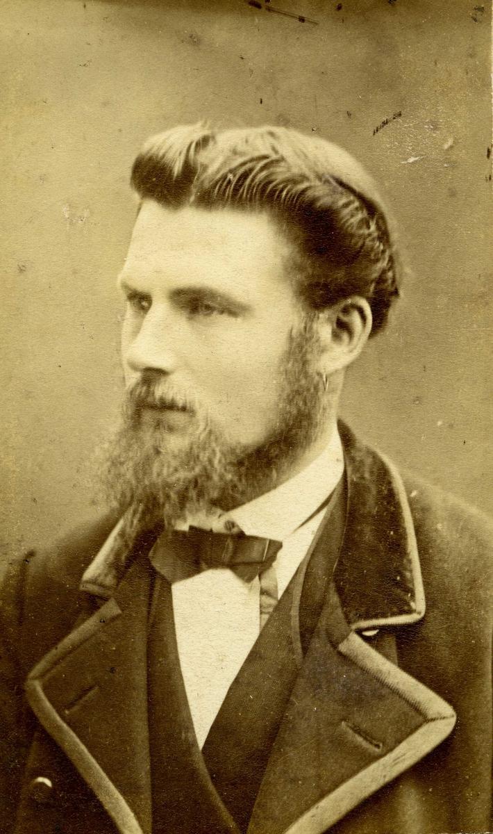 Portrett - YKapt. Anders Larsen - Næsheim.