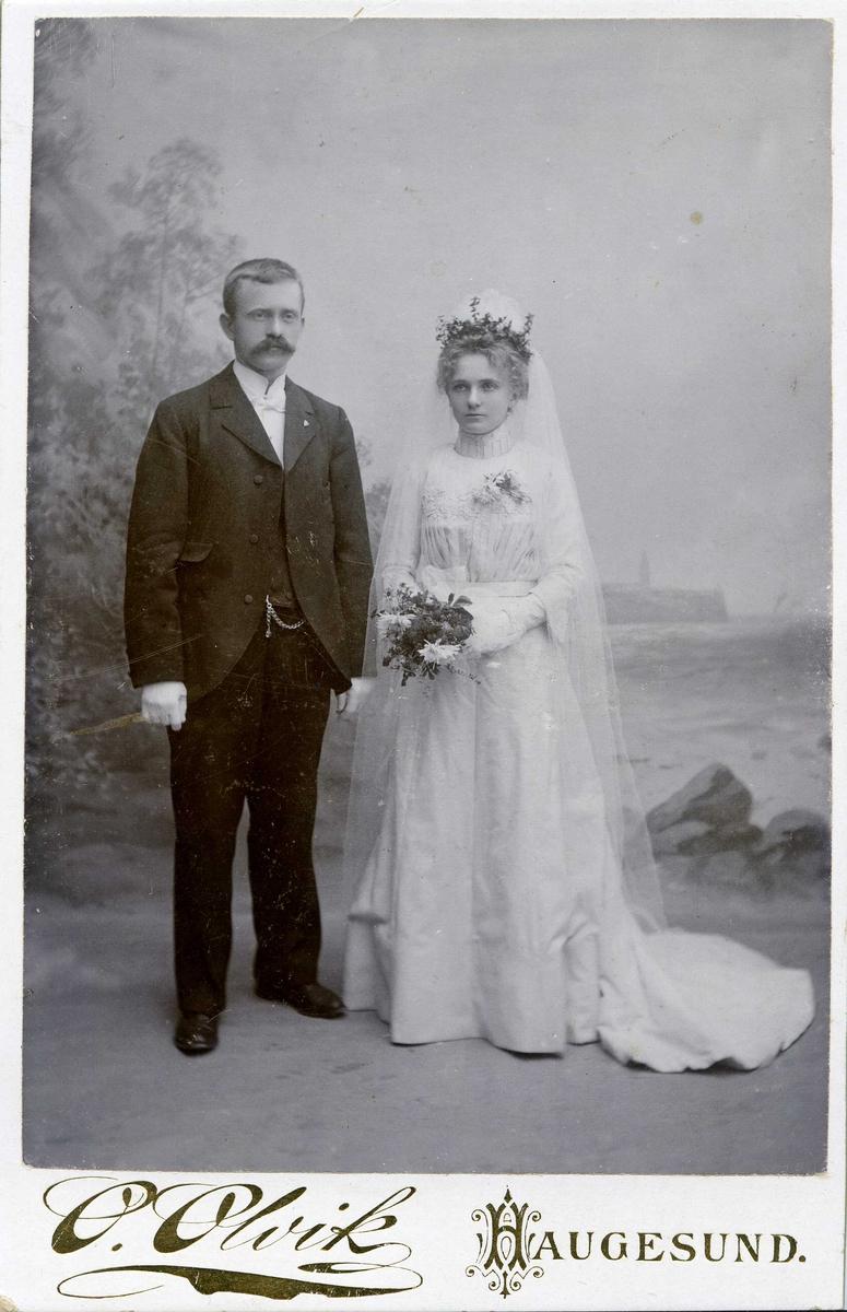 Portrett - Mathias Larsen og hustru Olava f. Morland - gift 1902.