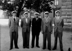 Familjegrupp 5 personer, studenter. Waldemar Tegner med sin