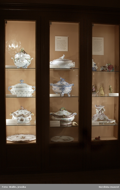 Utställningsdokumentation Östersjöfajanser, Nordiska museet, 2003.10.02 - 2004.04.25