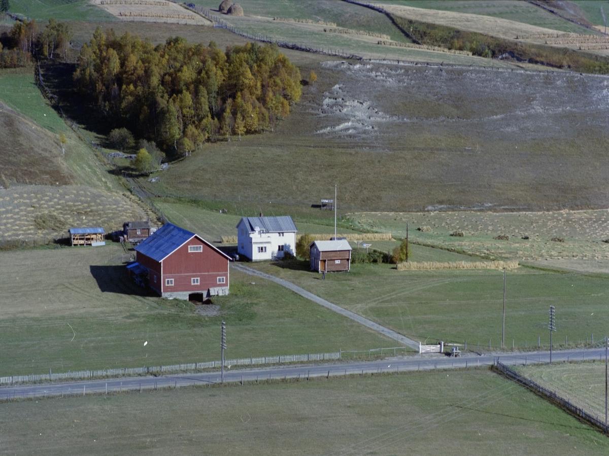Flyfoto, gårdsbruk, Killi Nedre også nevnt som Killivolden, Dovre