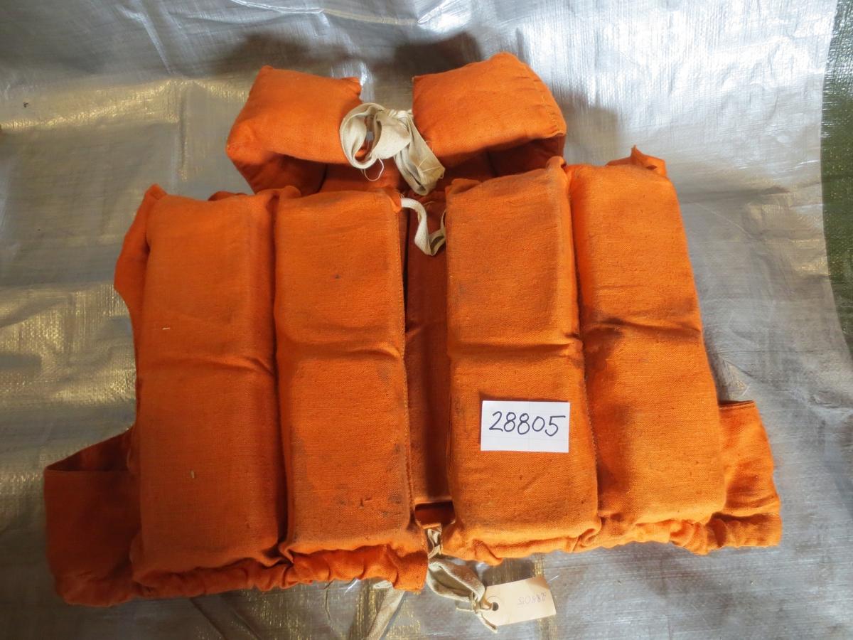 Orange flytväst i grov bomull med korkfyllning och krage.