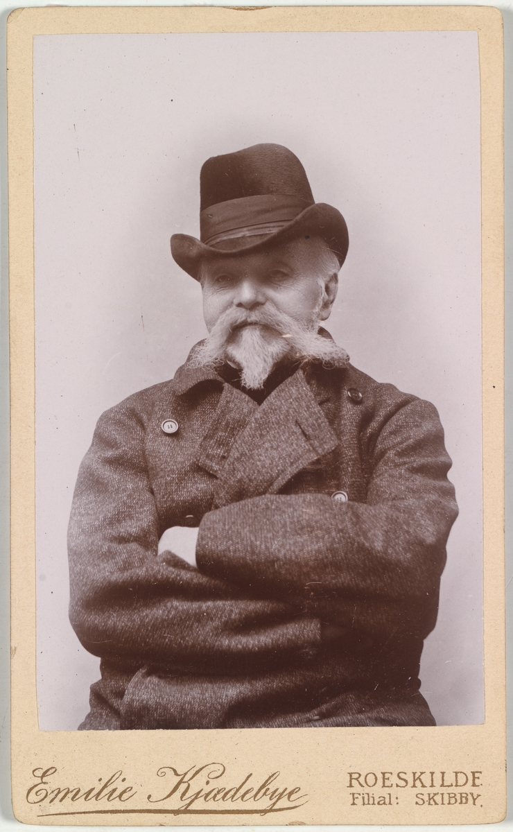Portrett av general Haagen Waldemar Mathiesen.