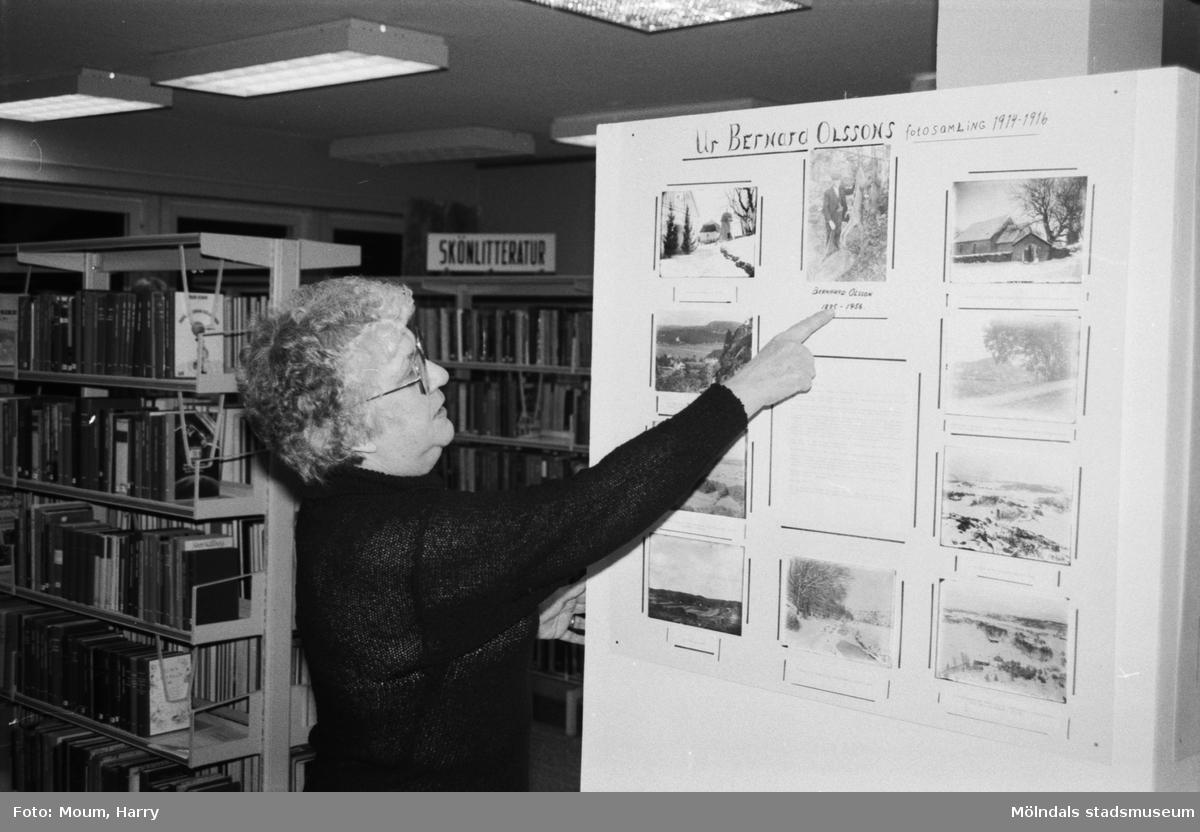 Kållereds hembygdsgille har fotoutställning på Kållereds bibliotek, år 1984.  För mer information om bilden se under tilläggsinformation.