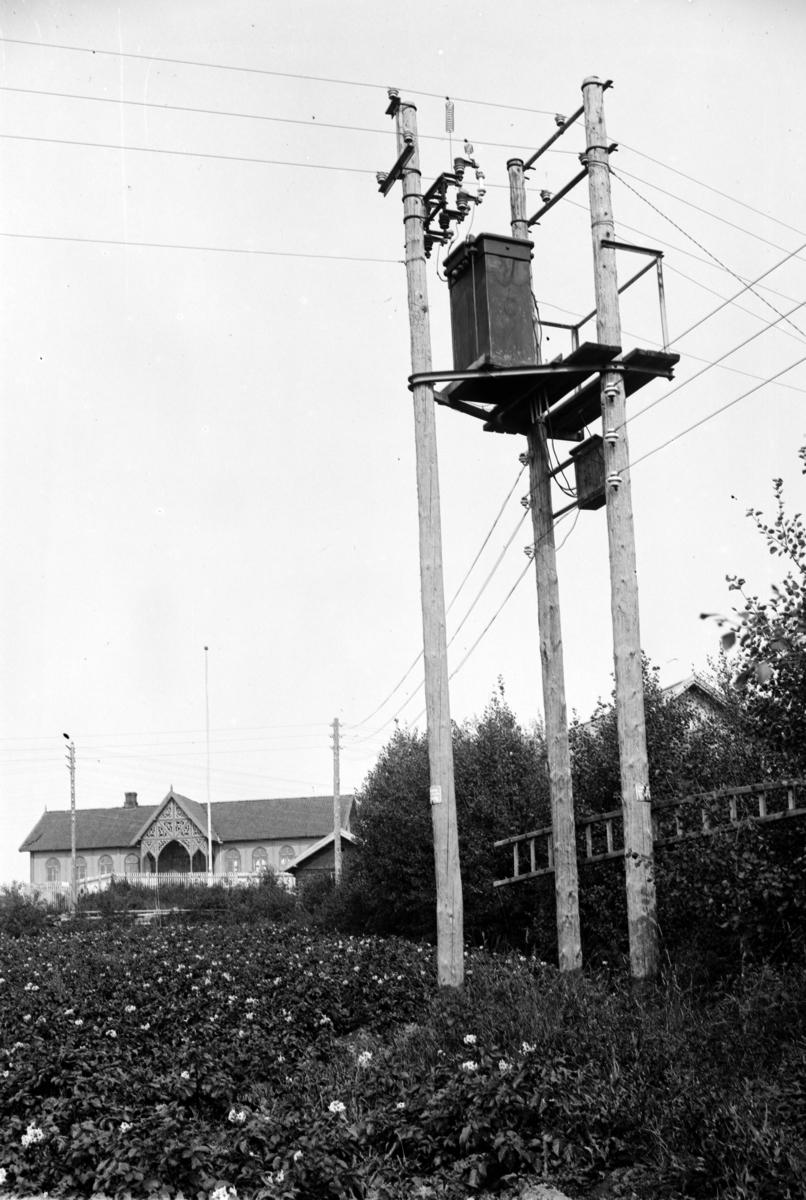 Transformatormast, Nashaug, Vang. Hamar Vang og Furnes kommunale kraftselskap.