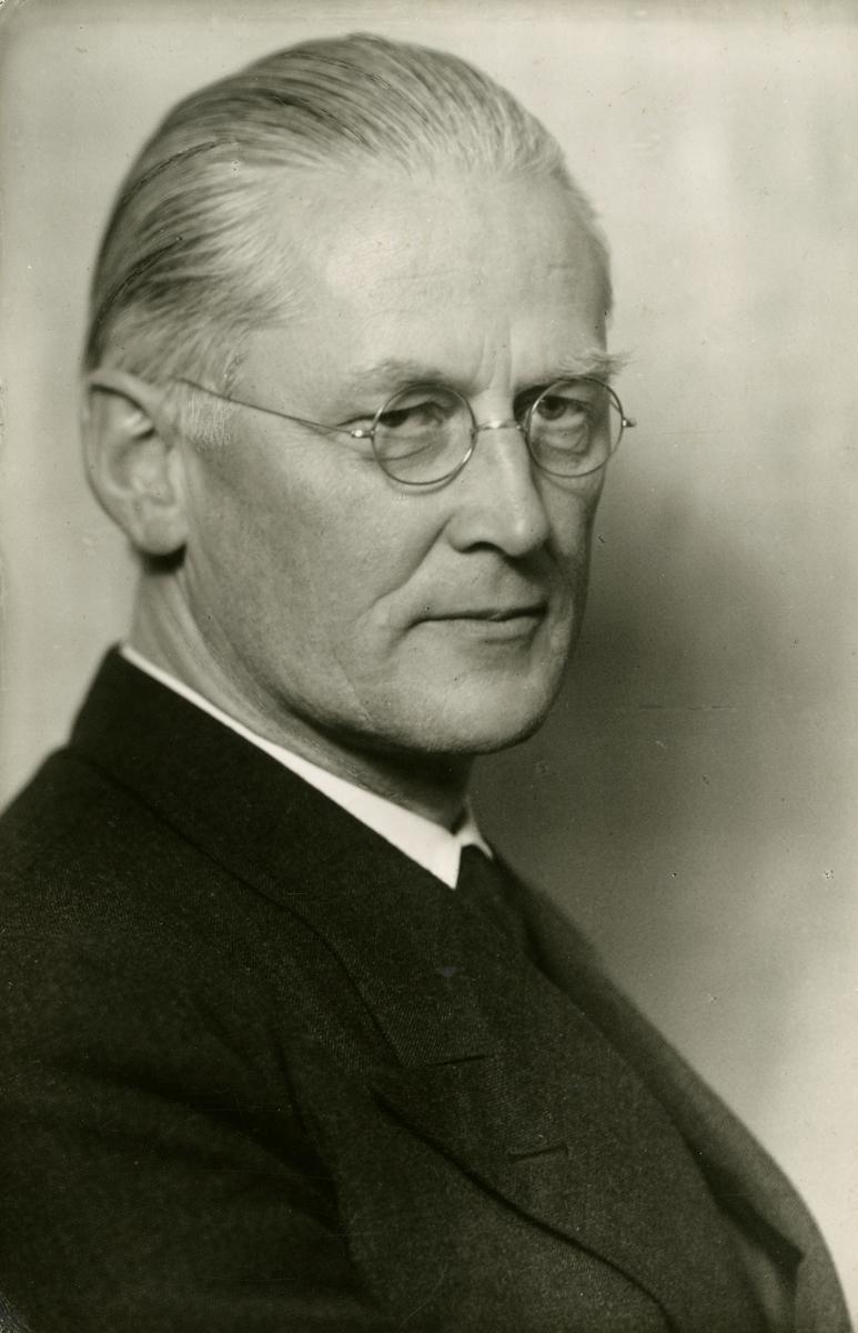 Remfeldt, Aage (1889 - 1983)
