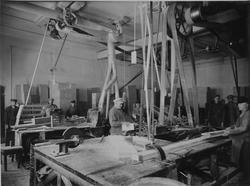 Interiör av lådverkstad, Arboga Margarinfabrik AB.
