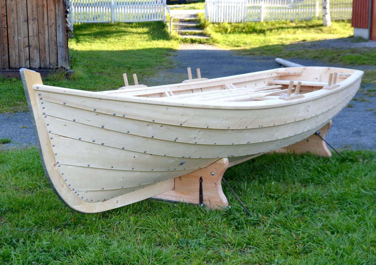 """Copy of the old lifeboat onboard the veteran boat """"Værdalen"""". (Foto/Photo)"""