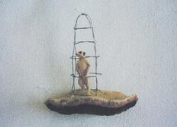 Antropomorfe oppstillinger (i bur) [Skulptur]