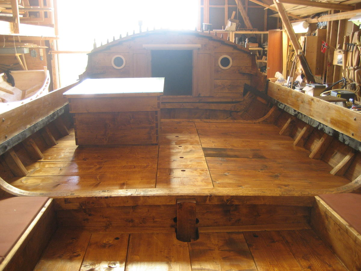 Dragens Vinge, bygd 2009. Torskgarnsbåten er en romslig og praktisk turbåt.