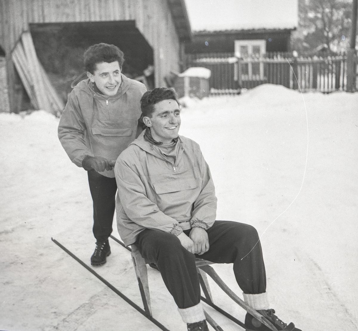 Italien skiers visiting Kongsberg Ski Factory