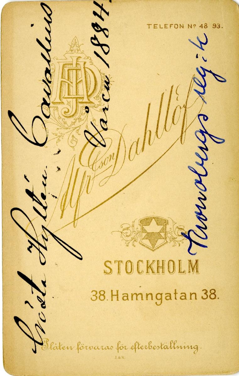 Porträtt av Gösta Hyltén-Cavallius, underlöjtnant vid Kronobergs regemente I 11. Se även bild AMA.0007544, AMA.0007581 och AMA.0007605.