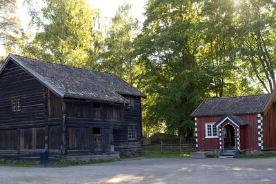 Farm Houses fram Ylis and Akkerhaungen in the Fram Stead from Telemark