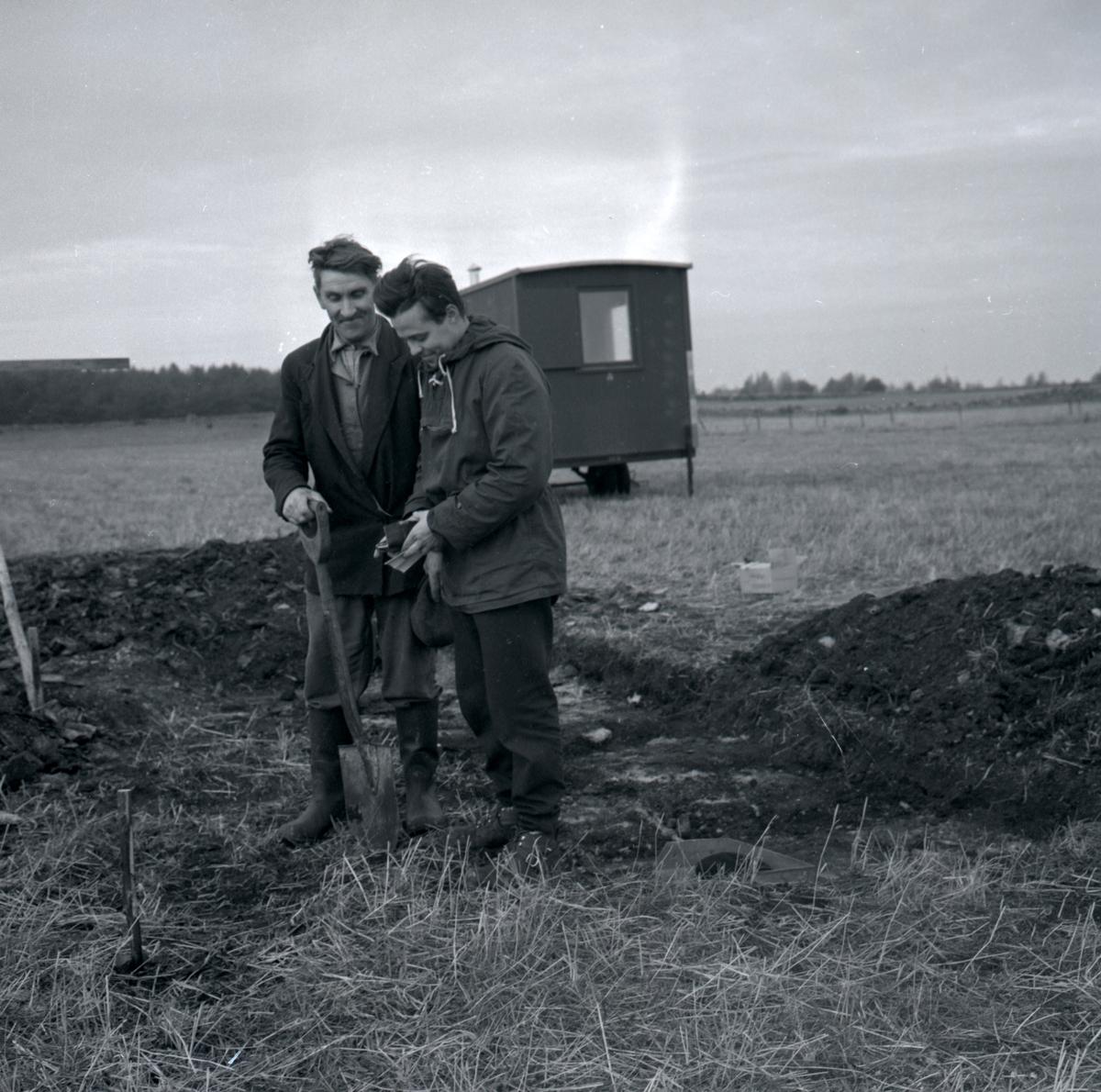 Ulf Erik Hagberg vid Skedemosse oktober 1959.