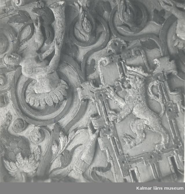 Tillstånd under uppvärmning av Gyllene salen på Kalmar slott i maj 1954.