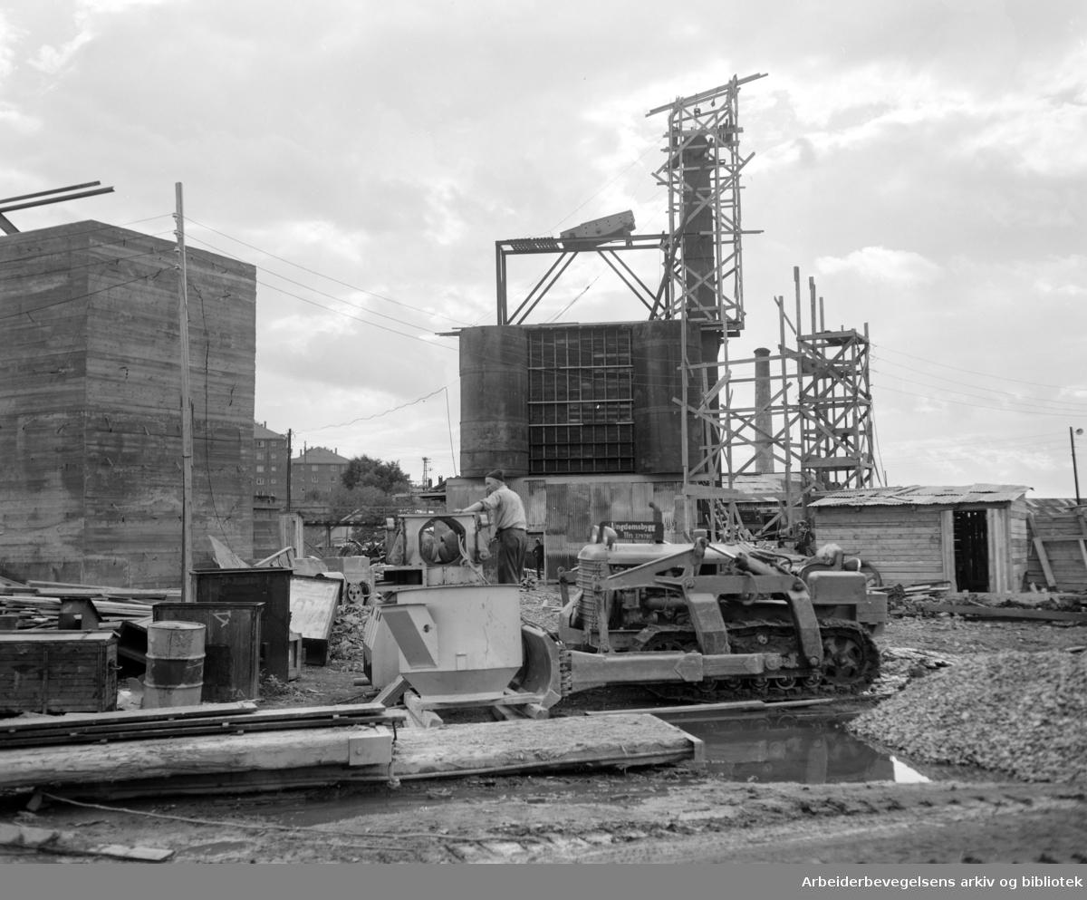A/S Norsk Lecas fabrikk på Hovin. September 1955