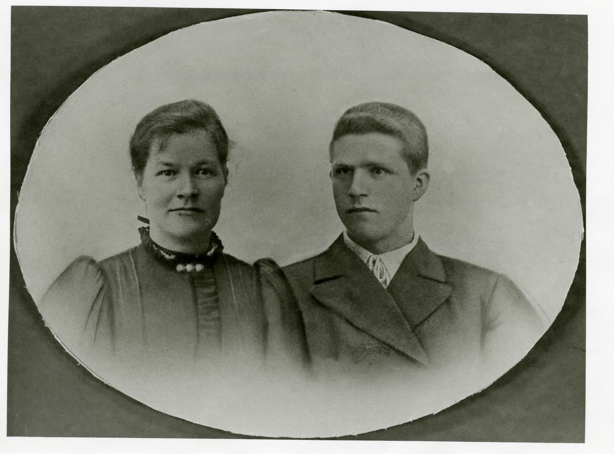 Portrett av Hans H. og Berthe Høgloft.